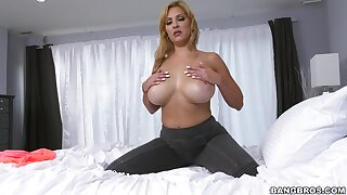 An obstacle big black detect seems more than perfect for this voluptuous full-grown slut