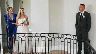 Horny bride is having lesbian coition moments before wedding