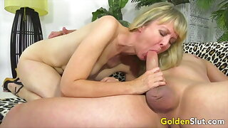 Golden Slut - Mature Ladies Do It Best Compilation