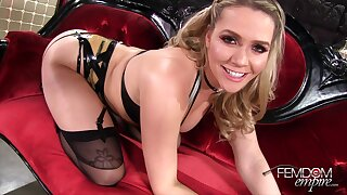 Mistress Mia Malkova regarding Exasperation Licking Addict